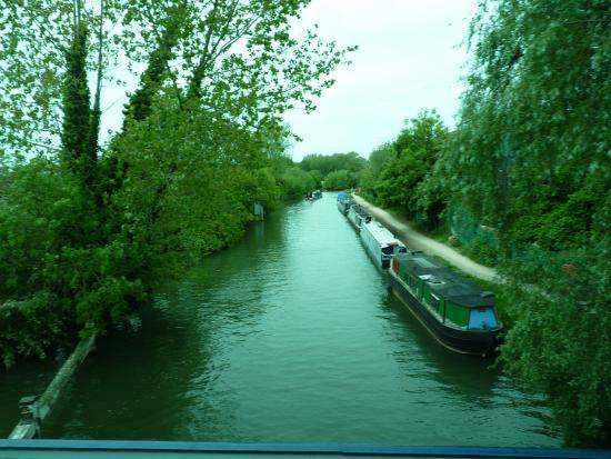 Oxford Canal: linda vista