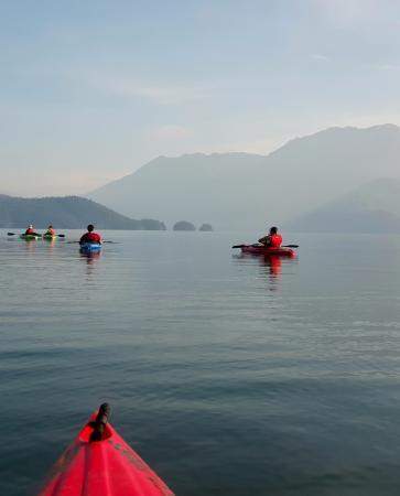 Harrison Eco Tours: Morning on the lake