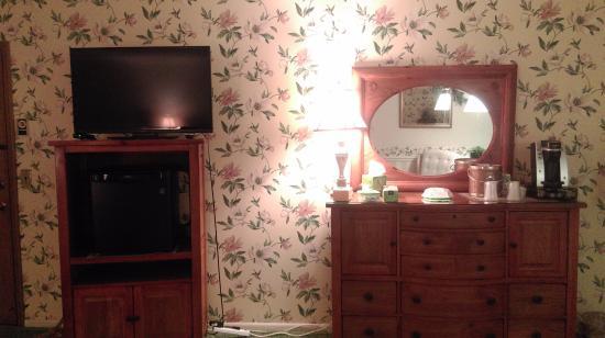 Azalea Garden Inn: Room