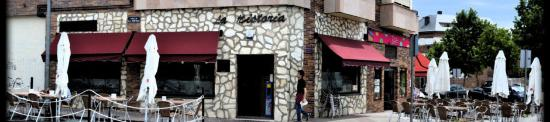 Exterior de cafetería-restaurante La Historia, en Villanueva del Pardillo