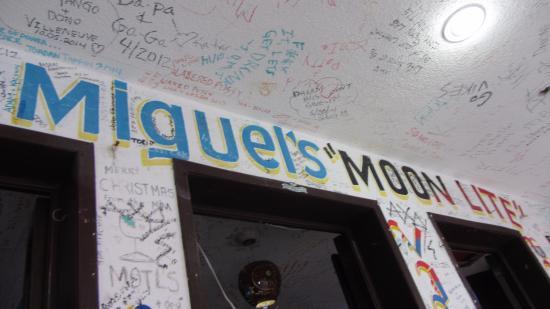 Miguel's Moonlight Lounge : Go to Miguel's Moonlight!