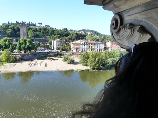 Florence View Apartments : Vista desde el comedor