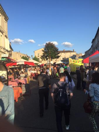 Montcaret, Francia: Duras night market