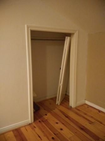 The Lodges at Blue Mountain: closet doors left inside the closet