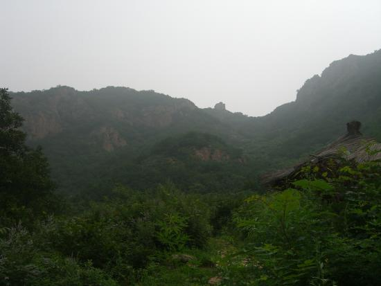 Funing County, Chiny: Watch tower high on the ridge