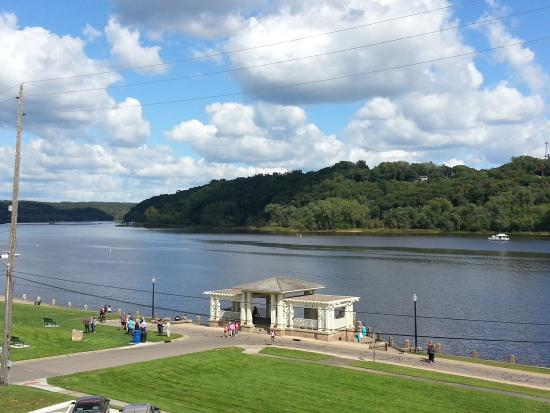 Water Street Inn: View of the St. Croix River