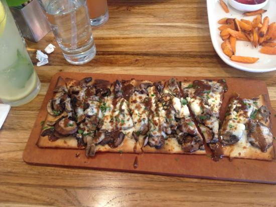 Roasted Mushroom And Goat Cheese Flatbread - Picture of LYFE Kitchen ...