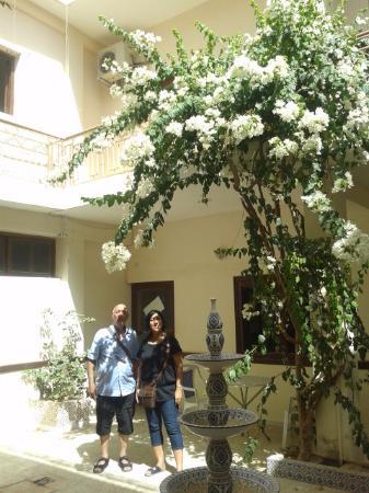 Hotel El Medina: Patio central 3/8/2014