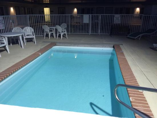 White Buffalo Hotel: pool.  looks to be 8x12' but I may be rounding up.