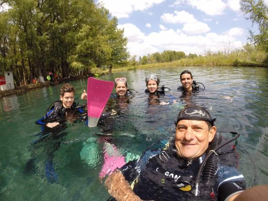 Media Luna School of Diving: Conociendo el buceo con Ossiel
