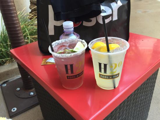 H2o Bar Great Drinks Picture Of Golden Nugget Hotel Casino Las Vegas Tripadvisor