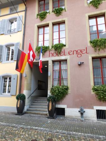 Hotel Engel Zofingen: Eingang zum Hotel Engel
