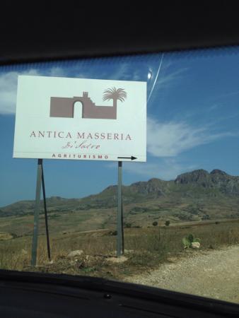 Antica Masseria Di Salvo: Una parte degli antipasti, con sapori della Sicilia