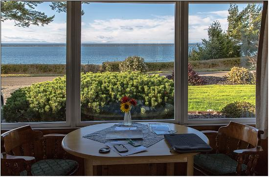 Dungeness Bay Cottages: From the lounge area looking towards Dungeness Spit and Canada