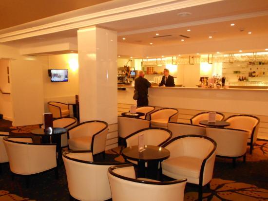 Hotel Paradis : una parte del bar