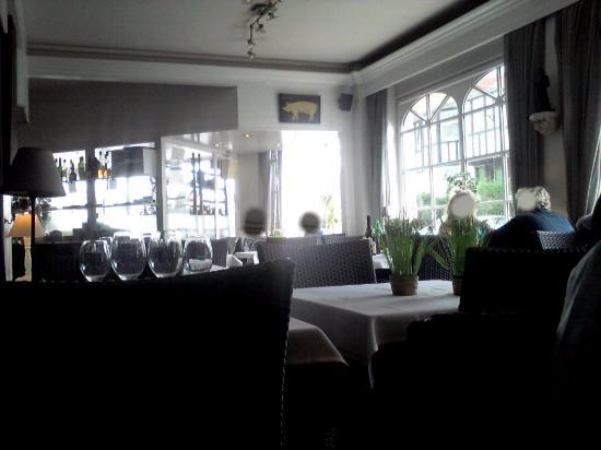 Knokke, Belgien: La salle