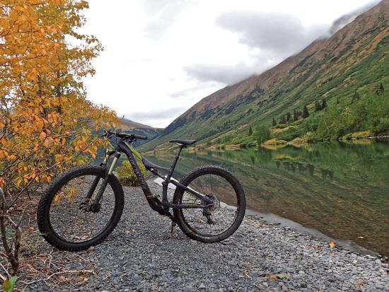 Crescent Lake Hiking Trail : Crescent Lake
