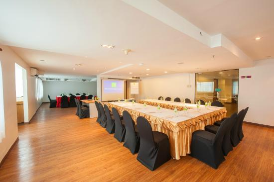 Ibis Huamark Hotel - Bang Kapi - Apartment & Condo ...