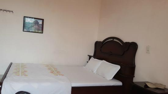 Cam Tu Cau Hotel: Кровать