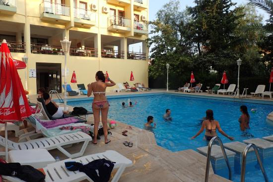 Ekici Hotel: The Pool