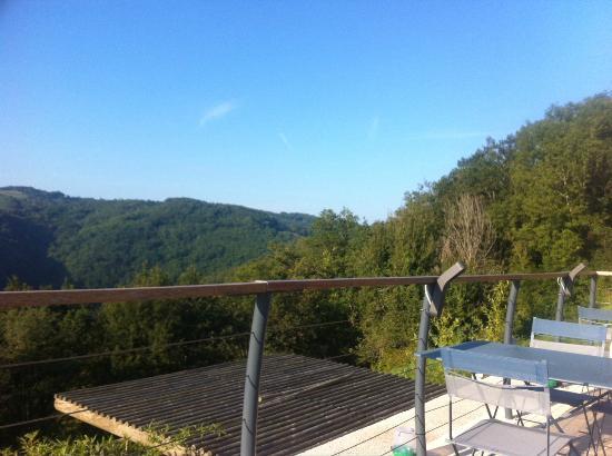 Maleville, France: vue depuis la terrasse du restaurant