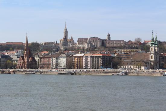 Korzo - Danube Embankment (Dunakorzó)