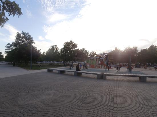 Hotel Las Artes : parque infantil cercano al hotel