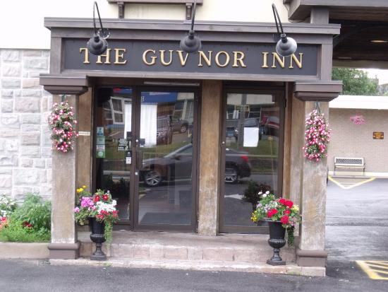 The Guv'nor Inn: Front of the hotel lobby