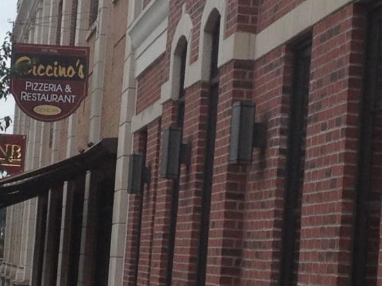 Ciccino's Pizzeria & Restaurant : Ciccino's - front sign