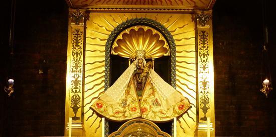 Les grands pèlerinages chrétiens à partir de l`Angleterre au Moyen-Âge - Canterbury -Terre-Sainte - Rome - Compostelle Shrine-of-our-lady-of