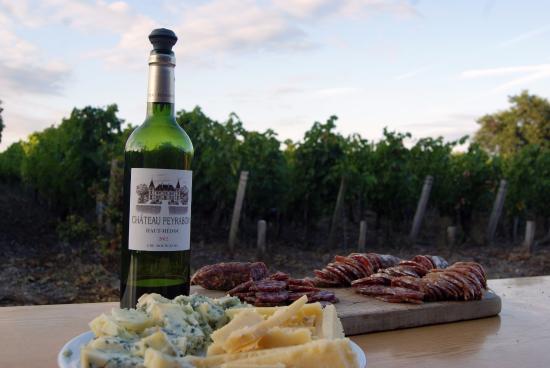 Saint-Sauveur, Франция: Fromage et saucisson avec du Peyrabon