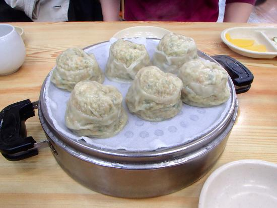 Busan Sukbak Dot Com Guesthouse: Great dumplings within 10 minutes