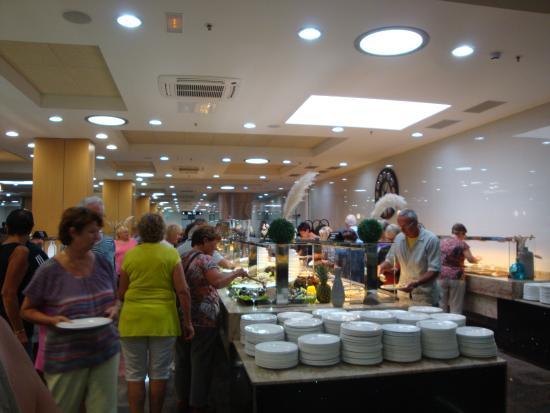 Difficile de chosir picture of el buffet libre la for Restaurant la jonquera