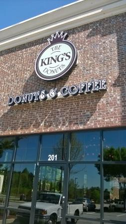 King's Donuts: Freshly made and local!