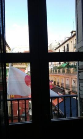 Hostal Alhambra: Vistas a la calle
