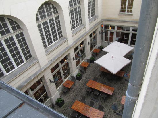 Hotel de France: vue de notre chambre coté salle de bain