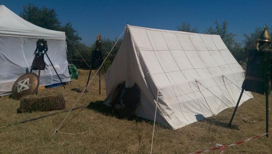 Musée de site Villa-Loupian : Tente gallo-romaine Les Augustales 2015