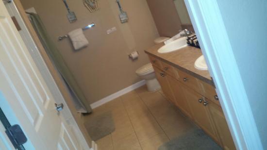 Terrace Ridge Disney World: Suite Bathroom
