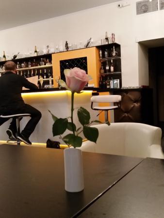 Brut bar