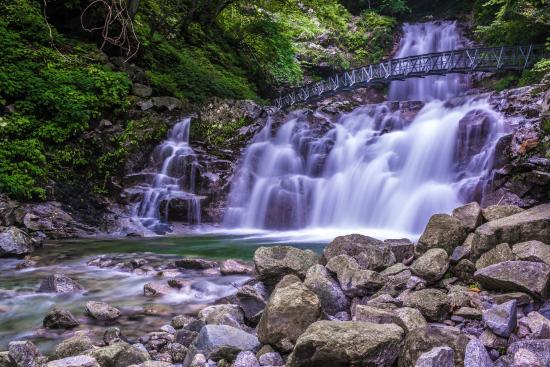 Shojigataki Falls