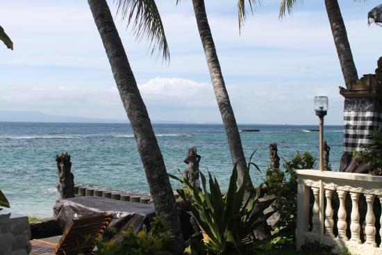Anom Beach Inn Bungalows: пляж