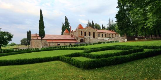 Γεωργία: Шато Зегаани - винодельческое поместье, построенное в 1820 г. князем Александром Чавчавадзе