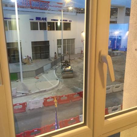 Ligure Hotel: Vue sur travaux qui durent depuis 3 ans