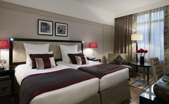 Paris Marriott Opera Ambassador Hotel : Chambre Supérieure
