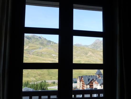 Fun Aragon Hills Hotel & Spa : Vista dall'interno della camera