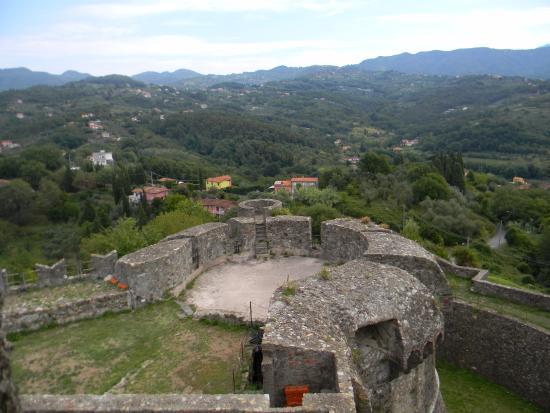 Verso il mare foto di fortezza di sarzanello sarzana - Da roma porta verso il mare ...