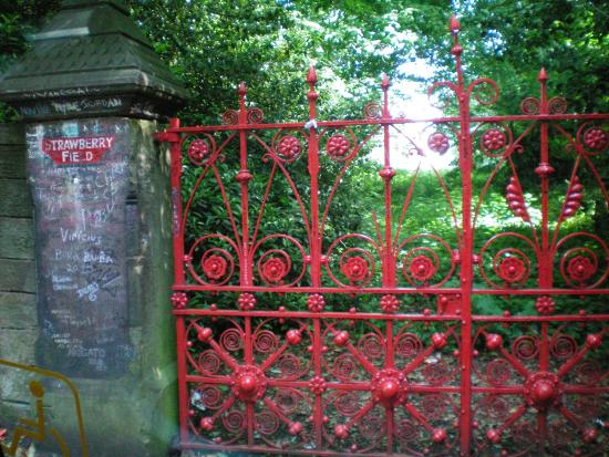 Fab Cabs of Liverpool Tours: Strawberry Fields - nothing to get hung about