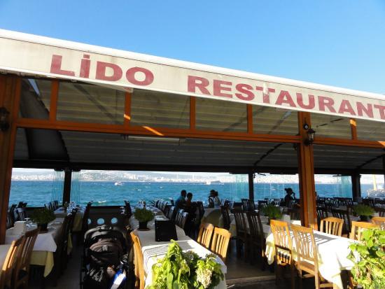 Lido Restaurant столики на улице