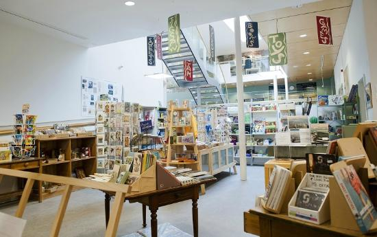 Birnam Arts and Conference Centre: Potter's Junction Gift Shop