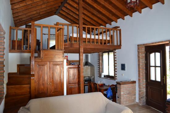 Vide In Woonkamer : Vide via open trap picture of elpiniki villas molyvos tripadvisor